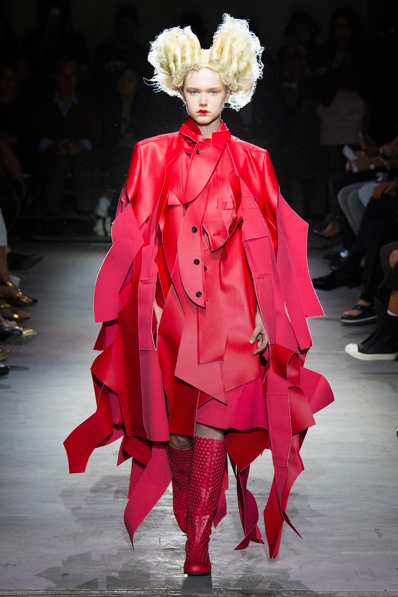 Comme des garcons spring 2015 paris fashion show r a w for Show a paris