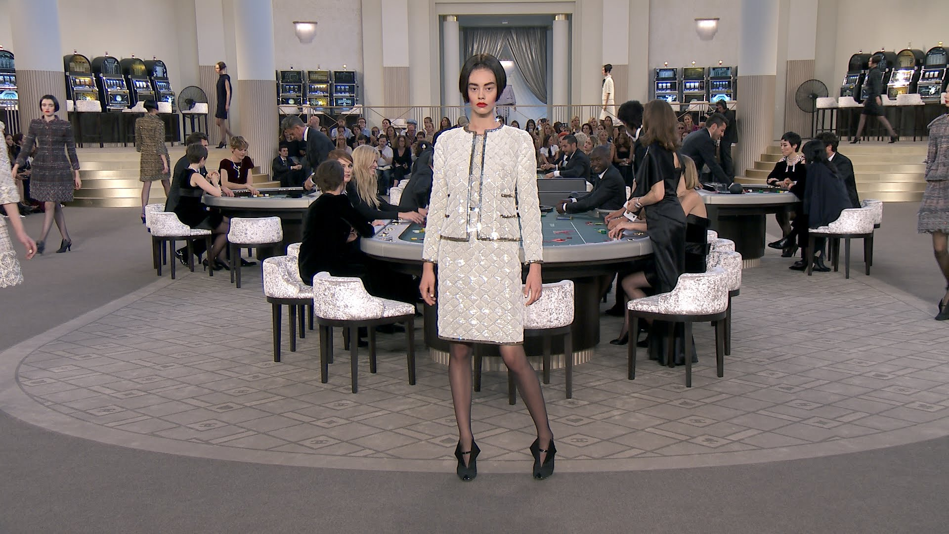 Chanel Fall 2015 Haute Couture Show-Video